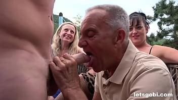 Вудман поимел хрупкую красавицу на порно отборе