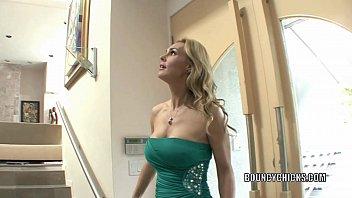 Русская пара снимает сладкий домашний секс на кухне