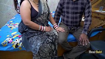 Наставник с учеником занимаются сексом