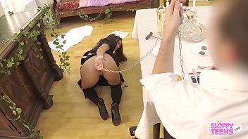 Молодая девушка поворачивается толще невероятной актрисой во времячко трахали