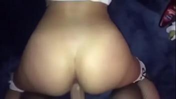 После массажа пацанчик порадовал тёлку мастурбацией и куни и отъебал её в вульву