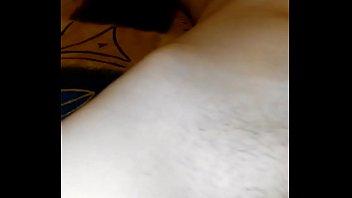 Мужик осуществляет свою секс фантазию занимаясь поревом мигом с двумя шлюхами-брюнетками