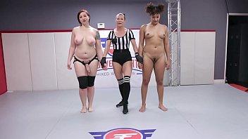 Ожесточенный групповой кастинг с двойным проникновением для молодой девушки